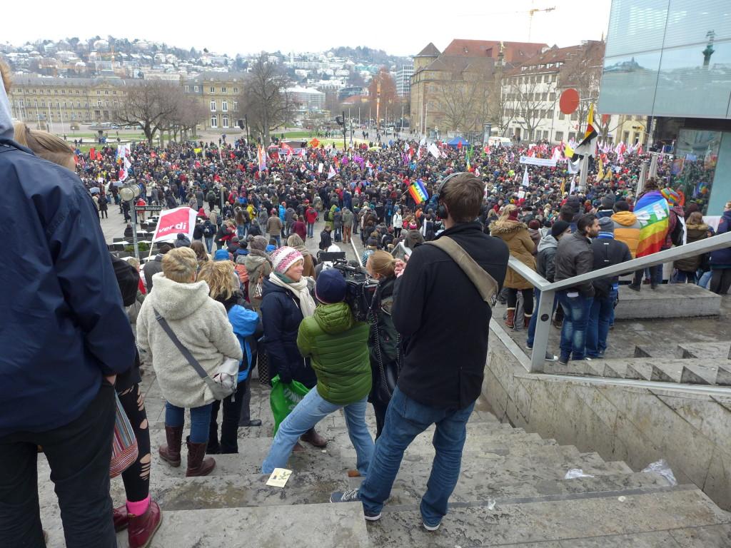 """Bündnis """"Halt. zusammen. Baden-Württemberg gegen Rassismus und Gewalt"""" Großkundgebung"""